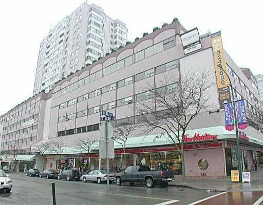 """Main Photo: 615 615 BELMONT Street in New_Westminster: Uptown NW Condo for sale in """"Belmont Tower"""" (New Westminster)  : MLS®# V667951"""