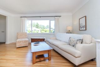 Photo 13: 2179 Cranleigh Pl in : OB Henderson House for sale (Oak Bay)  : MLS®# 852463