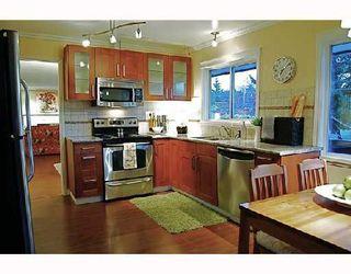 Photo 3: 1066 50B Street in Tsawwassen: Tsawwassen Central House for sale : MLS®# V693937