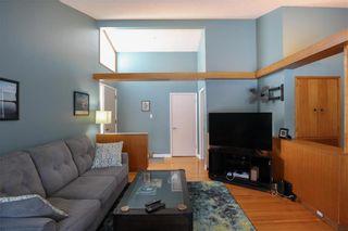 Photo 5: 70 Sandra Bay in Winnipeg: East Fort Garry Residential for sale (1J)  : MLS®# 202101829