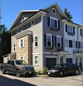"""Photo 1: 28 8767 162 Street in Surrey: Fleetwood Tynehead Townhouse for sale in """"TAYLOR BY MOSAIC"""" : MLS®# R2054946"""