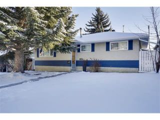 Photo 1: 803 104 Avenue SW in Calgary: Southwood House for sale : MLS®# C4092868