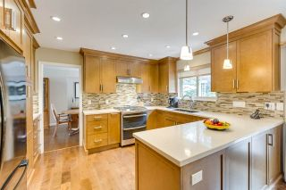 """Photo 15: 3655 LYNNDALE Crescent in Burnaby: Government Road House for sale in """"Government Road Area"""" (Burnaby North)  : MLS®# R2388114"""