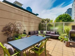 Photo 2: 304 1111 HARO STREET in : West End VW Condo for sale : MLS®# R2085309