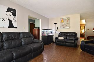 Photo 3: 1905 LYNN Avenue in Abbotsford: Central Abbotsford House for sale : MLS®# R2107862
