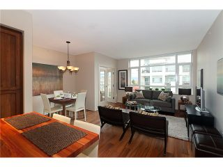 "Photo 3: # PH711 2268 W BROADWAY BB in Vancouver: Kitsilano Condo for sale in ""THE VINE"" (Vancouver West)  : MLS®# V919312"