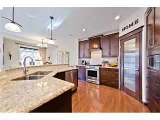 Photo 5: 166 CRESTMONT Drive SW in Calgary: Crestmont House for sale : MLS®# C4039400