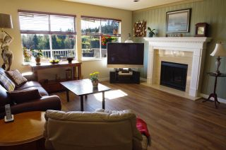 Photo 5: 515 TEMPE Crescent in North Vancouver: Upper Lonsdale House for sale : MLS®# R2504200