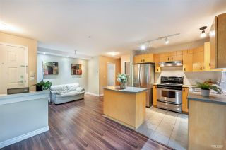 Photo 3: 17 7488 SOUTHWYNDE Avenue in Burnaby: South Slope Townhouse for sale (Burnaby South)  : MLS®# R2590901