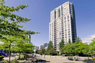 """Photo 2: 2410 3663 CROWLEY Drive in Vancouver: Collingwood VE Condo for sale in """"LATITUTDE"""" (Vancouver East)  : MLS®# R2140003"""