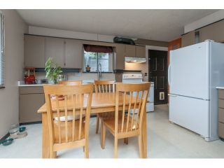 """Photo 4: 5096 208TH Street in Langley: Langley City House for sale in """"NEWLANDS/LANGLEY CITY"""" : MLS®# F1444664"""