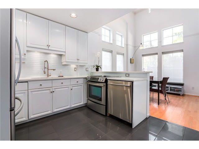 "Photo 5: Photos: 3211 W 6TH Avenue in Vancouver: Kitsilano 1/2 Duplex for sale in ""KITSILANO"" (Vancouver West)  : MLS®# V1091079"