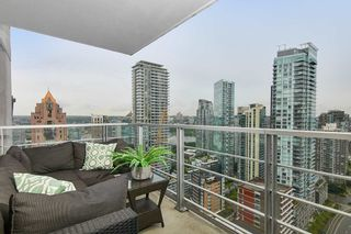 """Photo 2: 2902 1255 SEYMOUR Street in Vancouver: Downtown VW Condo for sale in """"ELAN"""" (Vancouver West)  : MLS®# R2472838"""