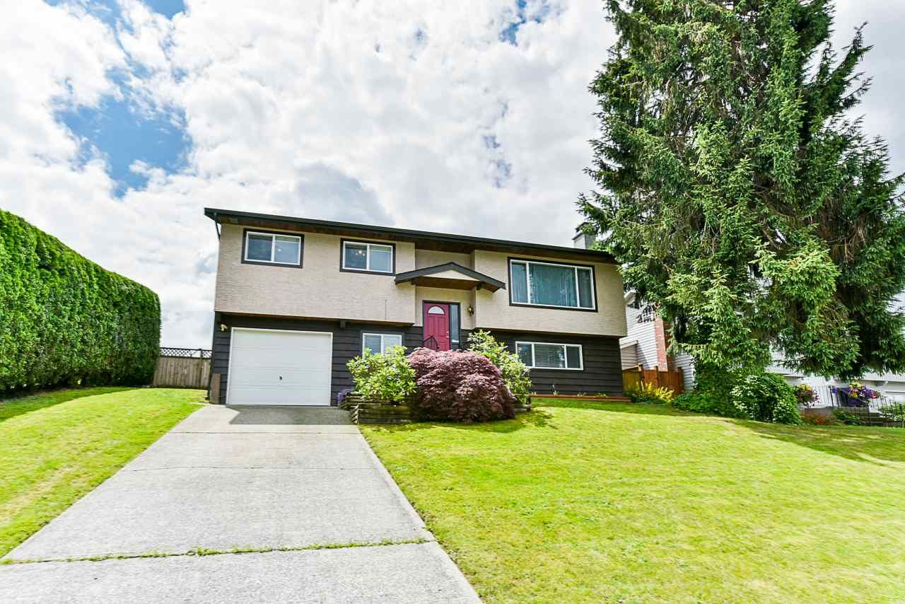 Main Photo: 26866 32A AVENUE in Langley: Aldergrove Langley House for sale : MLS®# R2474025