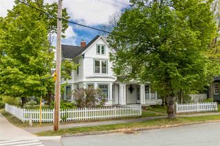 Photo 1: 20 Acadia Street in Wolfville: 404-Kings County Residential for sale (Annapolis Valley)  : MLS®# 202011552