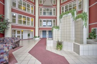 """Photo 19: 421 2626 COUNTESS Street in Abbotsford: Abbotsford West Condo for sale in """"The Wedgewood"""" : MLS®# R2363114"""