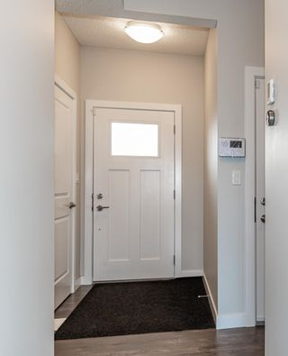 Photo 4: 1865 KEENE Crescent in Edmonton: Zone 56 Attached Home for sale : MLS®# E4259050
