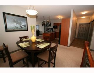Photo 4: 502 8000 WENTWORTH Drive SW in CALGARY: West Springs Stacked Townhouse for sale (Calgary)  : MLS®# C3408202