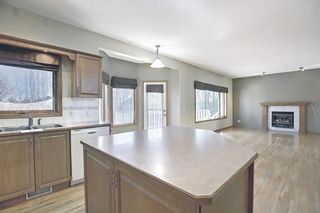 Photo 9: 112 Mt Alberta View SE in Calgary: McKenzie Lake Detached for sale : MLS®# A1082178