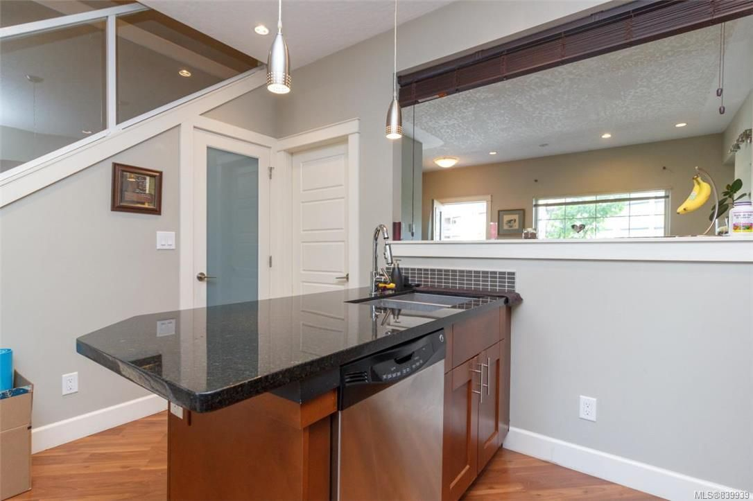 Photo 5: Photos: 205 785 Station Ave in Langford: La Langford Proper Row/Townhouse for sale : MLS®# 839939