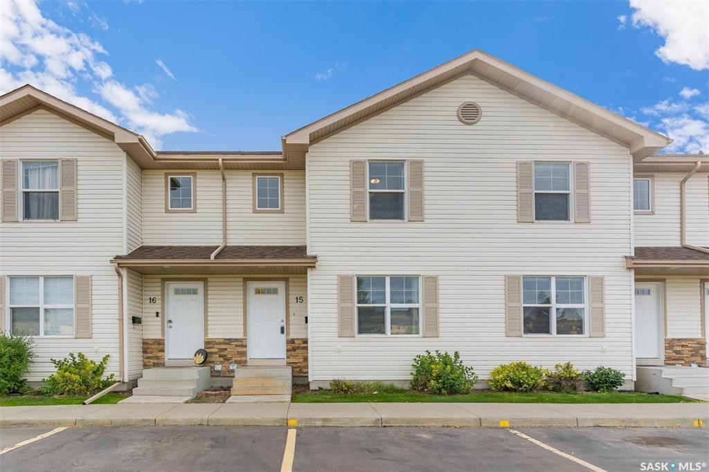 Main Photo: 15 135 Pawlychenko Lane in Saskatoon: Lakewood S.C. Residential for sale : MLS®# SK871272