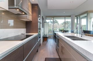 Photo 11: 301 200 Douglas St in VICTORIA: Vi James Bay Condo for sale (Victoria)  : MLS®# 809008