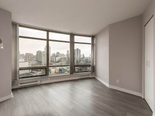 """Photo 7: 1202 1200 ALBERNI Street in Vancouver: West End VW Condo for sale in """"Palisades"""" (Vancouver West)  : MLS®# R2527140"""