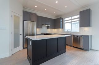 Photo 8: 31 350 Latoria Blvd in : Co Royal Bay Row/Townhouse for sale (Colwood)  : MLS®# 867173
