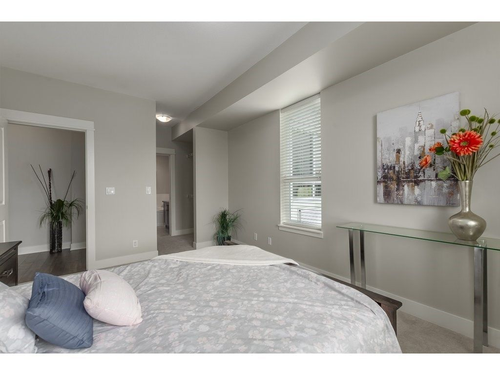 """Photo 14: Photos: 318 5430 201 Street in Langley: Langley City Condo for sale in """"The Sonnet"""" : MLS®# R2282213"""