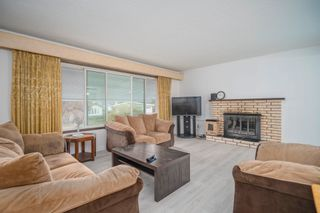 Photo 2: 2148 OPAL Place in Abbotsford: Central Abbotsford House for sale : MLS®# R2614701