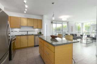 """Photo 4: 502 2225 HOLDOM Avenue in Burnaby: Central BN Condo for sale in """"Legacy Towers"""" (Burnaby North)  : MLS®# R2471558"""