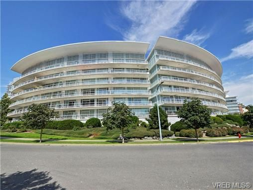 Main Photo: 401 68 Songhees Rd in VICTORIA: VW Songhees Condo for sale (Victoria West)  : MLS®# 708698