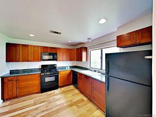 Photo 2: POINT LOMA Condo for rent : 2 bedrooms : 3244 Nimitz Blvd. #8 in San Diego