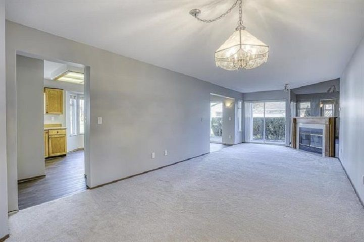"Photo 7: Photos: 131 7156 121 Street in Surrey: West Newton Townhouse for sale in ""Glenwood Village Scotttsdale"" : MLS®# R2556471"