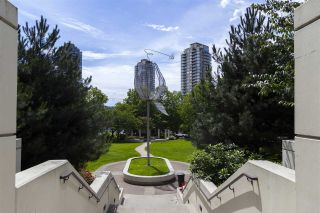 """Photo 2: 1204 2138 MADISON Avenue in Burnaby: Brentwood Park Condo for sale in """"Mosaic"""" (Burnaby North)  : MLS®# R2083332"""