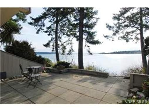 Main Photo: 13 2654 Lancelot Place in : CS Turgoose Residential for sale (Central Saanich)  : MLS®# 242904