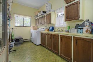 """Photo 16: 5755 MONARCH Street in Burnaby: Deer Lake Place House for sale in """"DEER LAKE PLACE"""" (Burnaby South)  : MLS®# R2475017"""