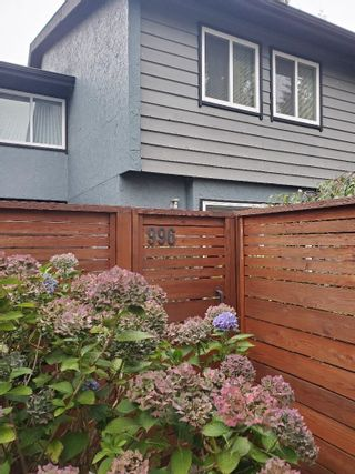 """Photo 3: 996 HOWIE Avenue in Coquitlam: Central Coquitlam Townhouse for sale in """"WILDWOOD PLACE"""" : MLS®# R2618133"""