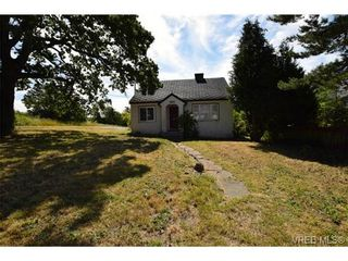 Photo 1: 3151 Esson Rd in VICTORIA: SW Portage Inlet House for sale (Saanich West)  : MLS®# 734196