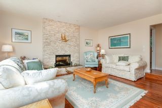 Photo 10: 2460 Costa Vista Pl in : CS Tanner House for sale (Central Saanich)  : MLS®# 855596