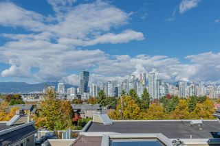 "Photo 2: B1 1100 W 6TH Avenue in Vancouver: Fairview VW Townhouse for sale in ""Fairview Place"" (Vancouver West)  : MLS®# R2506490"