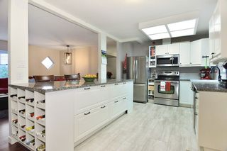 """Photo 3: 6179 192ND Street in Surrey: Cloverdale BC House for sale in """"Bakerview, Cloverdale"""" (Cloverdale)  : MLS®# R2225882"""