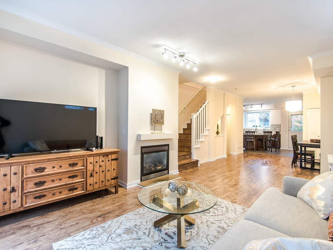 """Photo 4: Photos: 7 2200 PANORAMA Drive in Port Moody: Heritage Woods PM Townhouse for sale in """"THE QUEST"""" : MLS®# R2414883"""