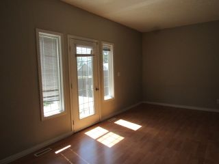 Photo 9: 9201 Morinville Drive in Morinville: Townhouse for rent