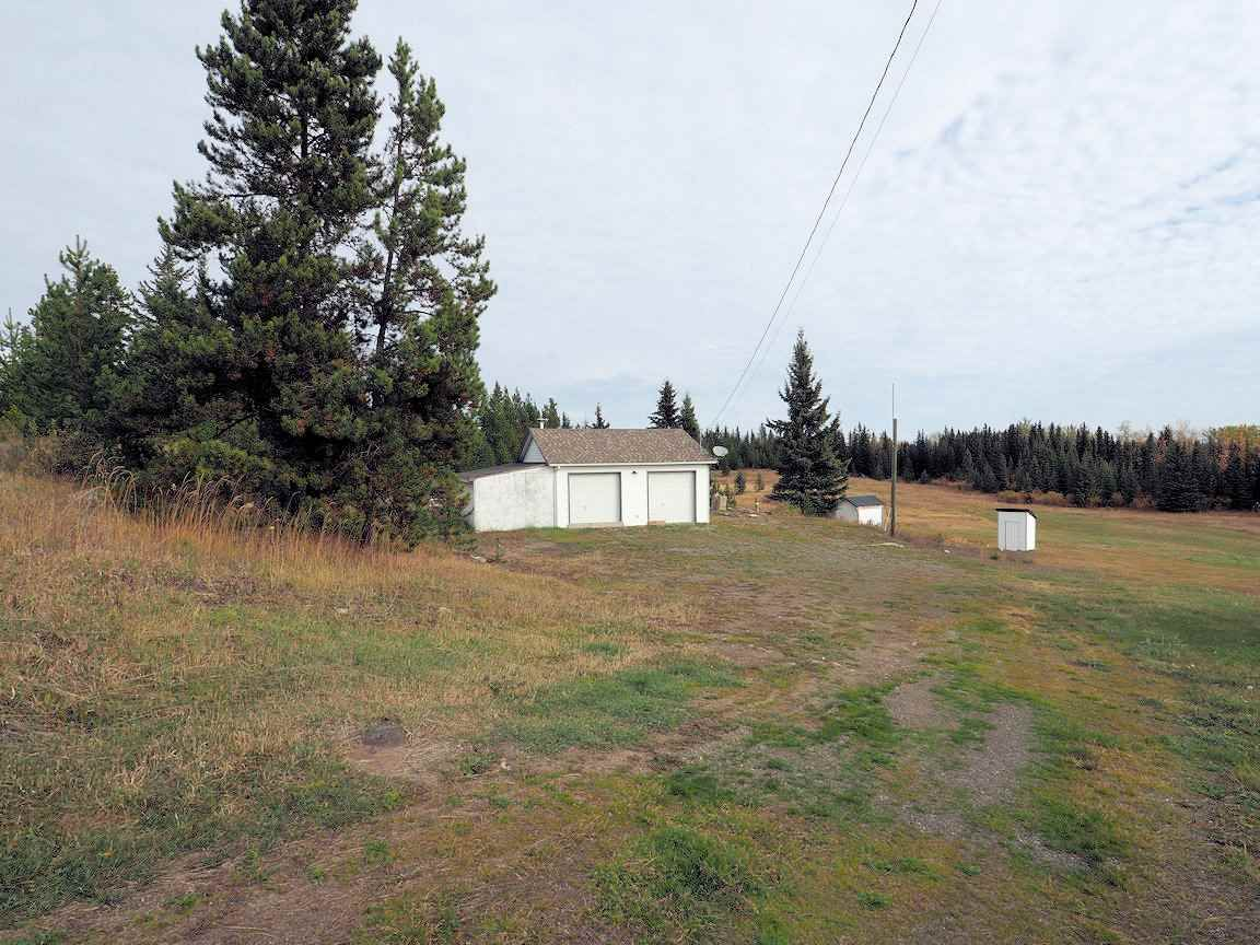 Photo 17: Photos: 6973 INMAN Road in Lone Butte: Lone Butte/Green Lk/Watch Lk House for sale (100 Mile House (Zone 10))  : MLS®# R2409054