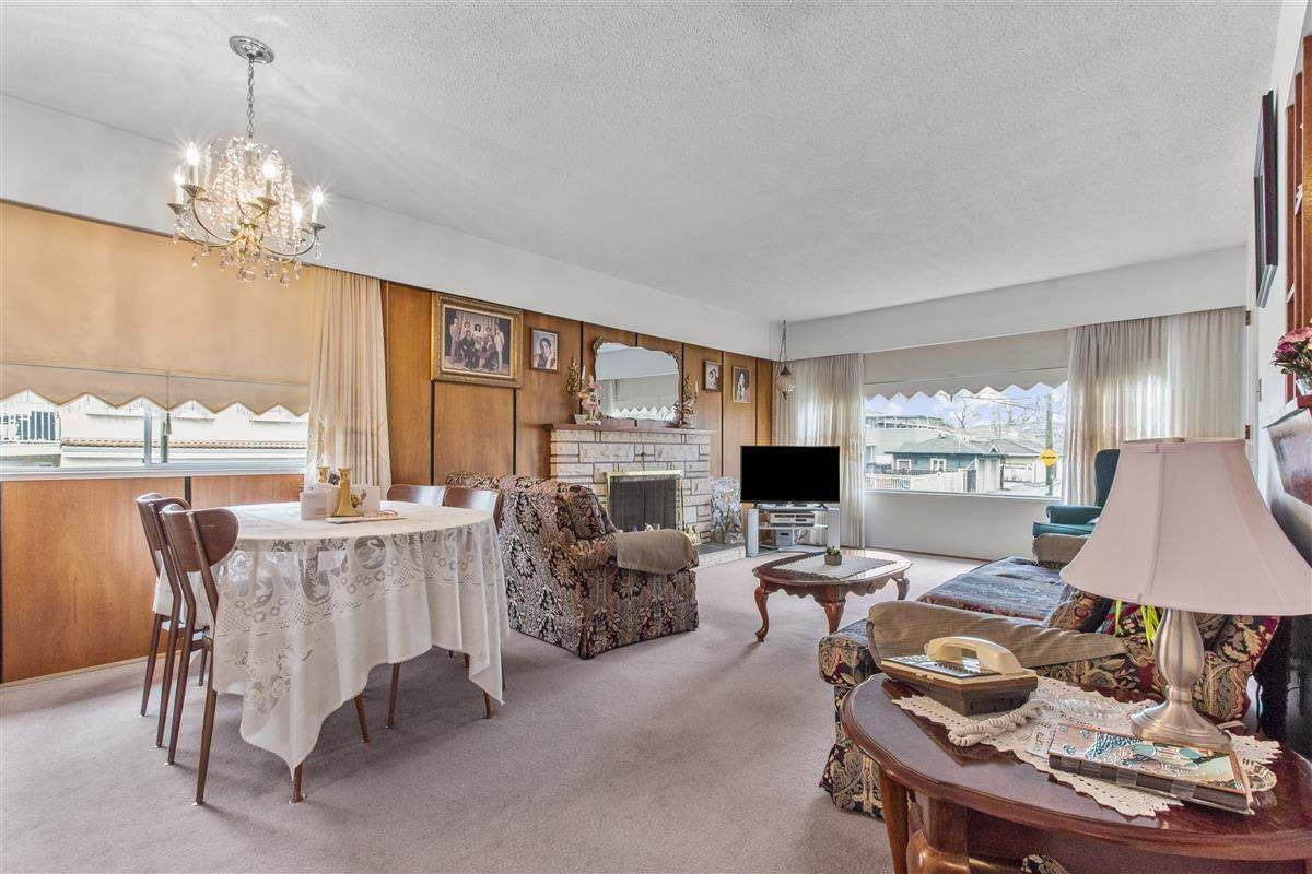 Photo 3: Photos: 3225 ST GEORGE Street in Vancouver: Fraser VE House for sale (Vancouver East)  : MLS®# R2579975