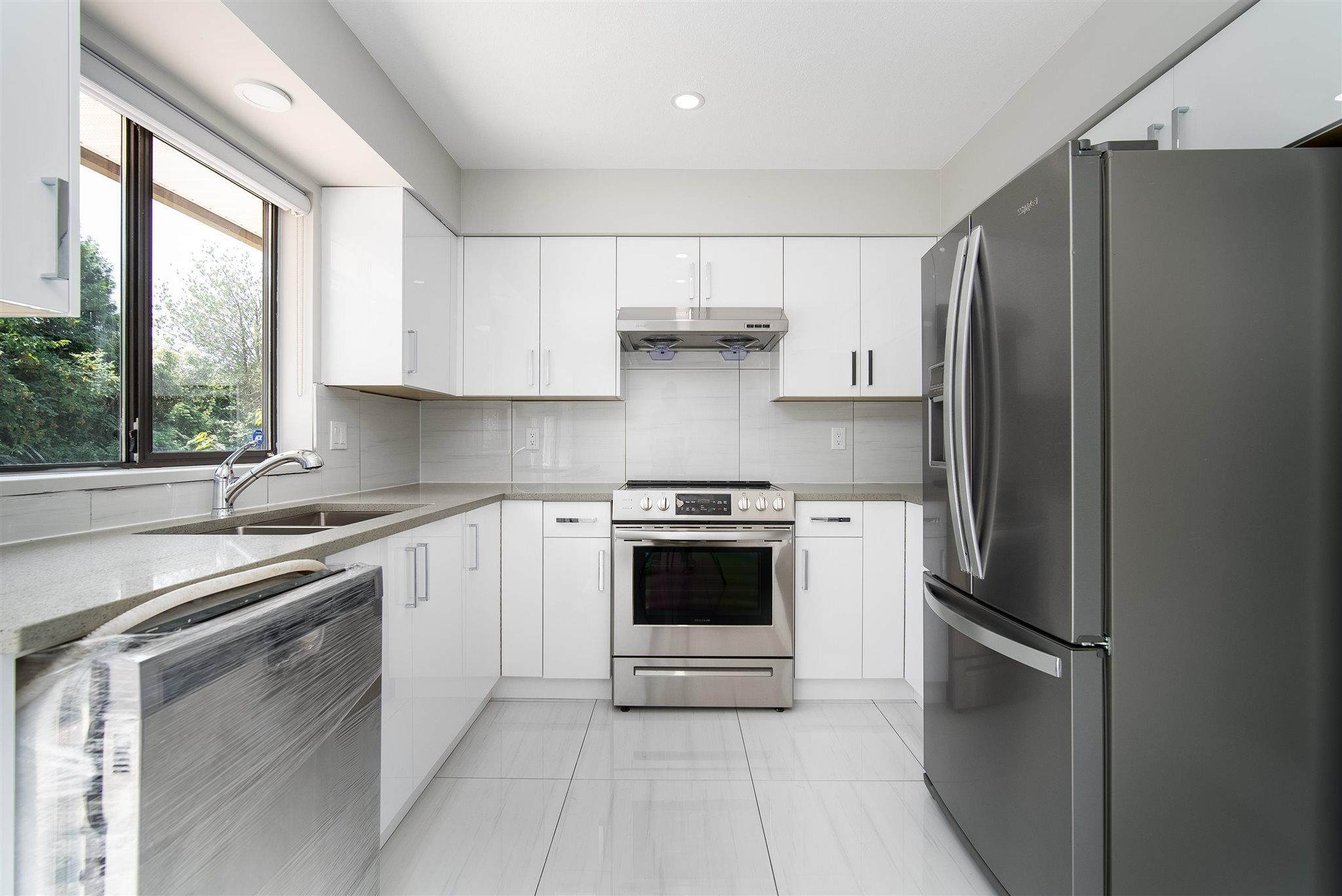 Main Photo: 32082 SCOTT Avenue in Mission: Mission BC House for sale : MLS®# R2604498