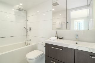 """Photo 15: 901 1405 W 12TH Avenue in Vancouver: Fairview VW Condo for sale in """"THE WARRENTON"""" (Vancouver West)  : MLS®# R2053078"""