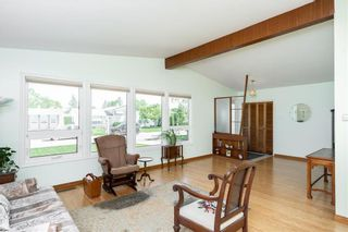 Photo 6: 194 Whitegates Crescent in Winnipeg: Westwood Residential for sale (5G)  : MLS®# 202113128