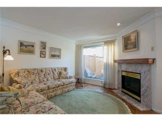Photo 5: Lonsdale Town House